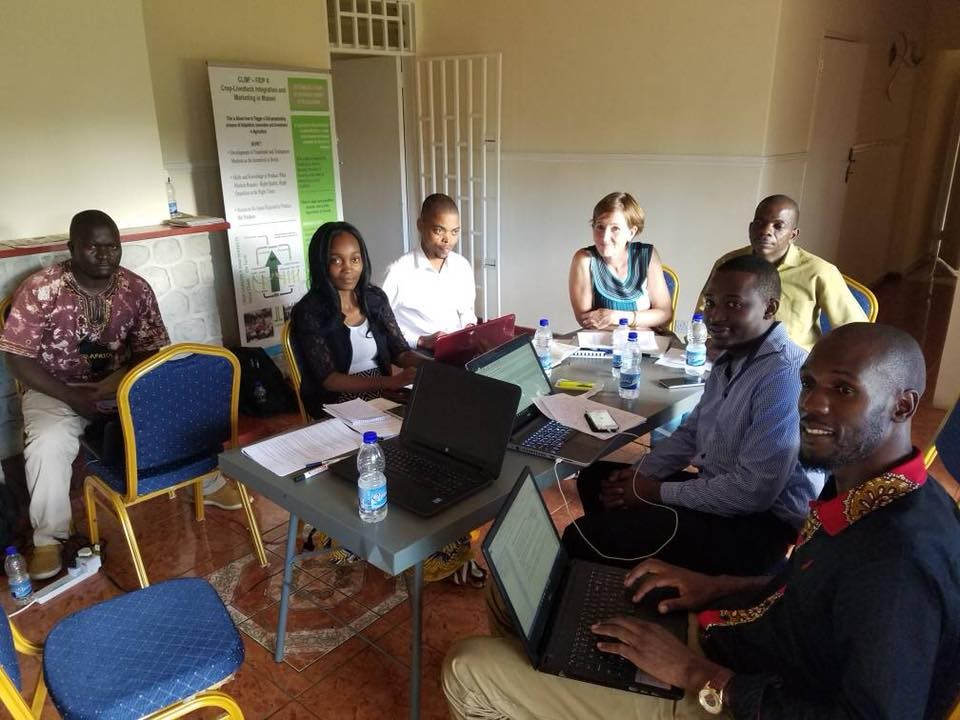 Snapshots from Blog Writing training session for project team
